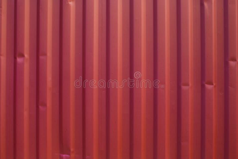 De rode achtergrond van het metaalblad Rode metaaltextuur stock afbeeldingen