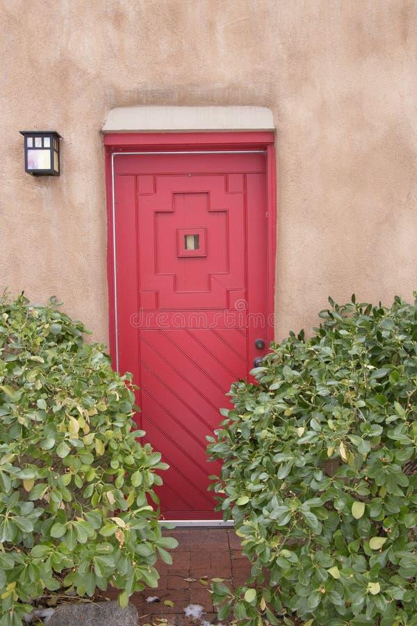 De Rode Deur van Santa Fe New Mexico The stock foto's