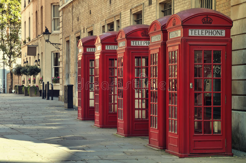De rode Dozen van de Telefoon, Londen stock afbeelding