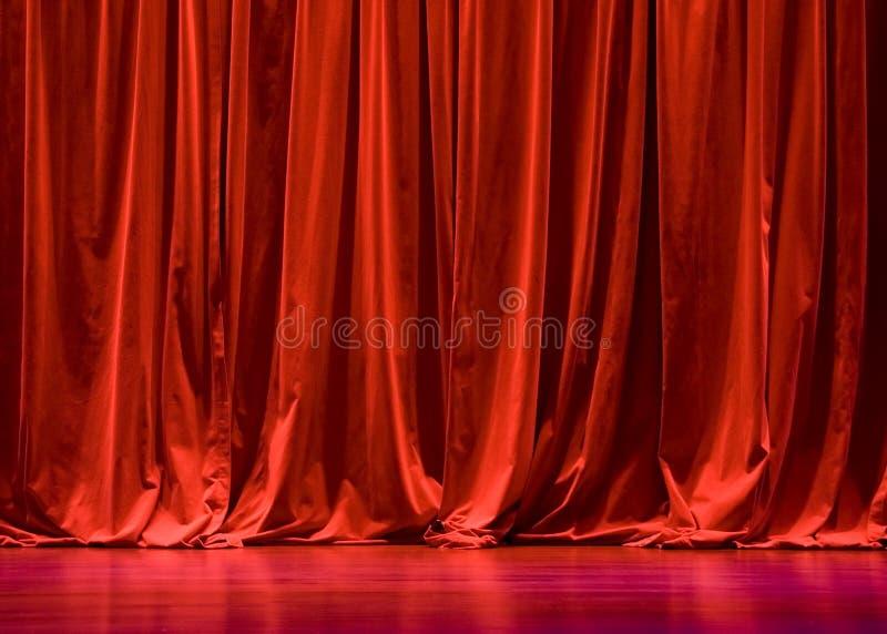 De rode Gordijnen van het Stadium van het Fluweel stock afbeeldingen