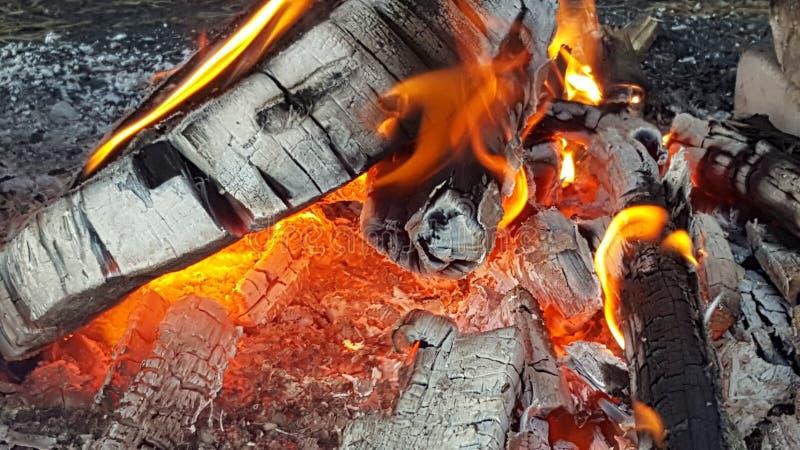De rode koele nacht van de brandaard stock afbeeldingen