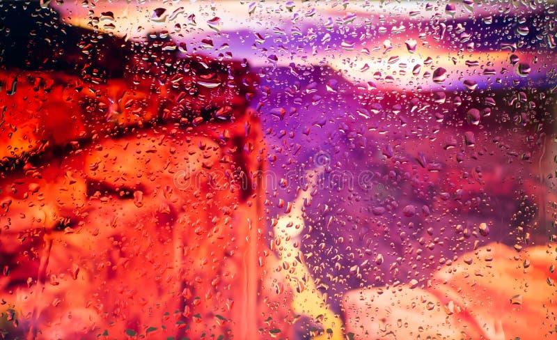 De rode rotsen van de mening van Grand Canyon A van de stad van een venster van een hoog punt tijdens een regen Nadruk op dalinge stock fotografie