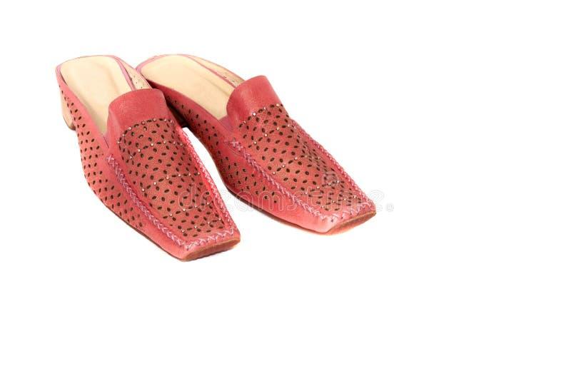 De rode Schoenen van de Vrouw die op Witte Achtergrond worden geïsoleerd royalty-vrije stock fotografie