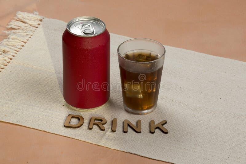 De rode soda kan stock afbeeldingen