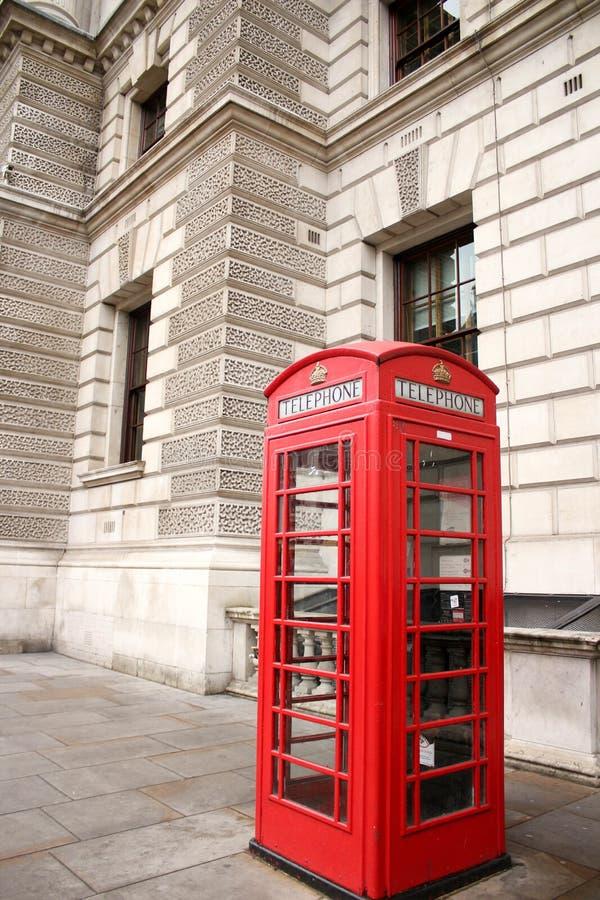 De Rode Telefooncel van Londen De Aantrekkelijkheid van Londen stock afbeeldingen