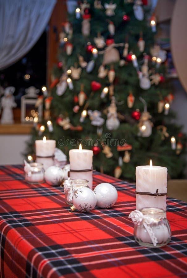 De rode Vlam van Kerstmis van Kaarsen stock foto