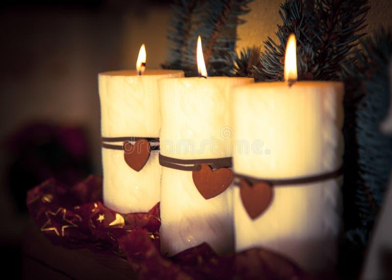 De rode Vlam van Kerstmis van Kaarsen royalty-vrije stock afbeeldingen