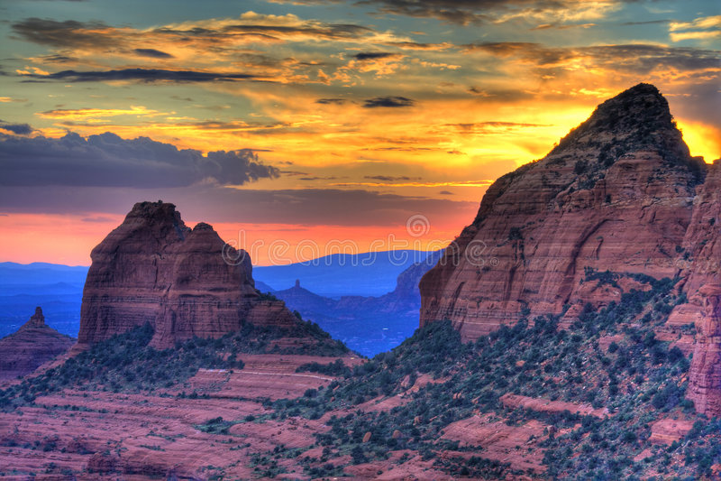 De rode zonsondergang van Rotsen stock fotografie