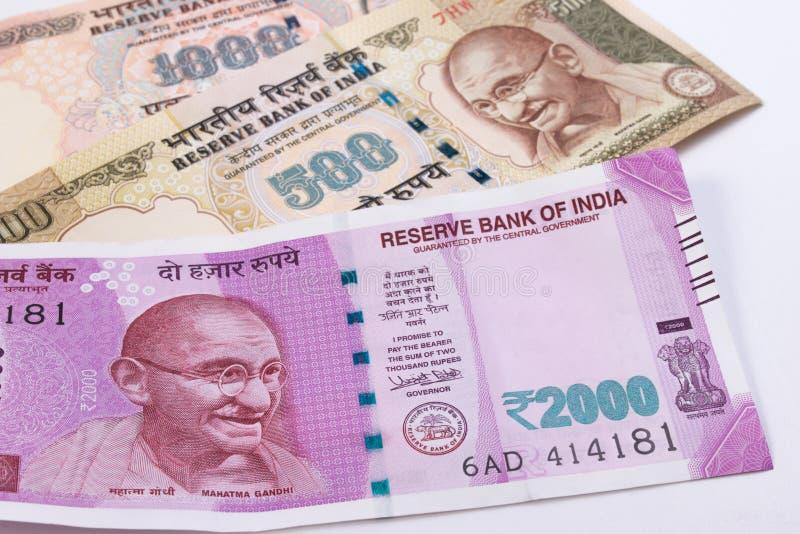 de Roepie nieuwe Indische munt van 2000 meer dan Roepie 500 en Roepie 1000 stock afbeeldingen