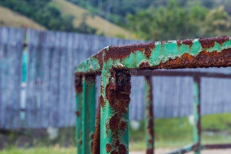 De roest is dammage want het Roestvrije staal schadelijke voorwerpen is bijtend stock foto's