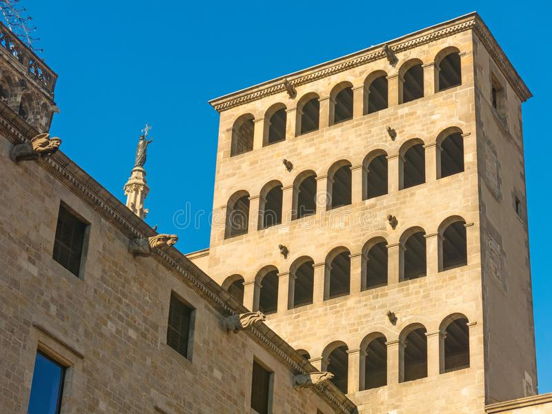 ` De roi s Martin Watchtower dans le Roi Square Quart gothique dans Barce photo libre de droits