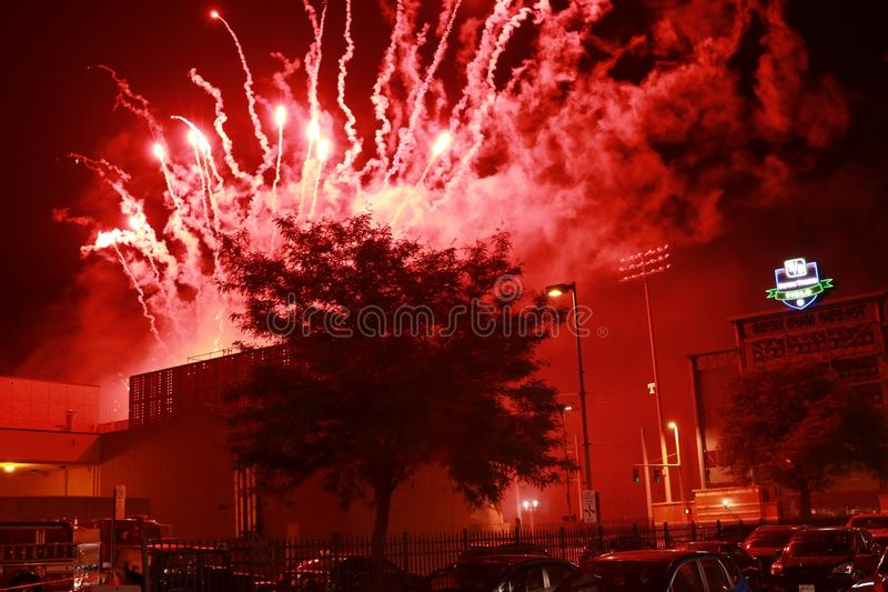 4 de rojo Explotion del fuego de julio imagenes de archivo
