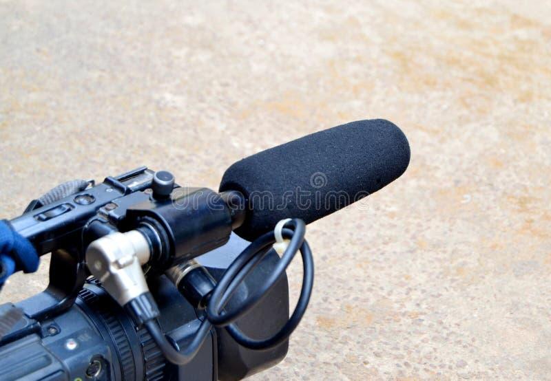 De rol van de microfoon royalty-vrije stock afbeeldingen