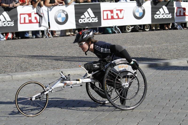 De rolstoelbestuurder van de Marathon van Berlijn royalty-vrije stock foto's