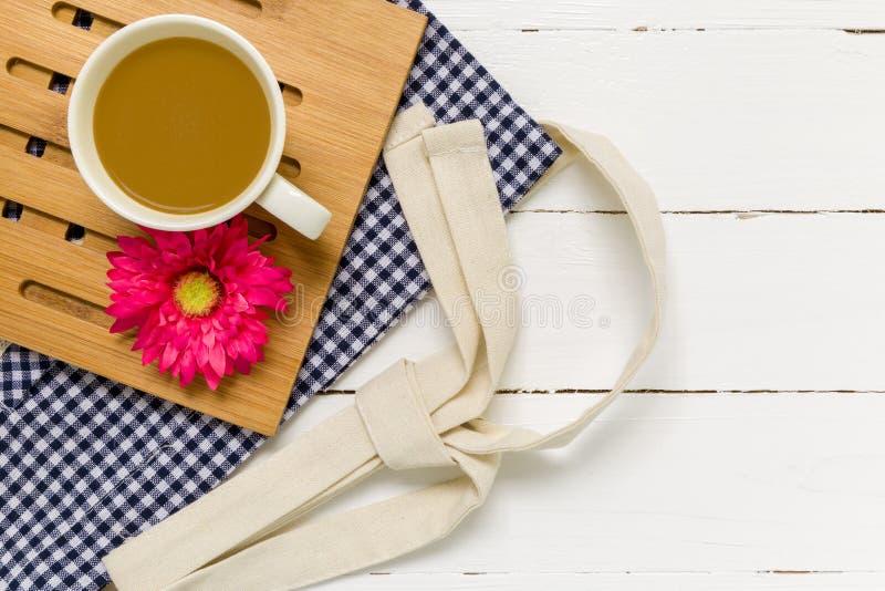 De romantische Achtergrond van de Koffiekop/Romantische Koffiekop/de Romantische Achtergrond van de Koffiekop stock fotografie