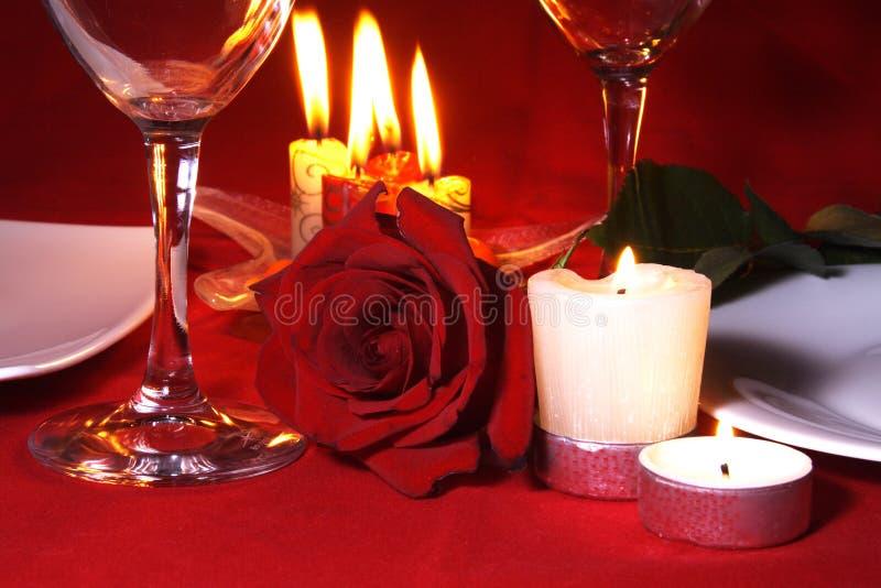 De romantische Lijst Arragement van het Diner royalty-vrije stock afbeeldingen