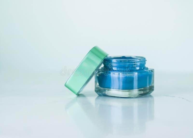 De roommasker van het schoonheidsgezicht, luxe bevochtigend cosmetische product royalty-vrije stock foto