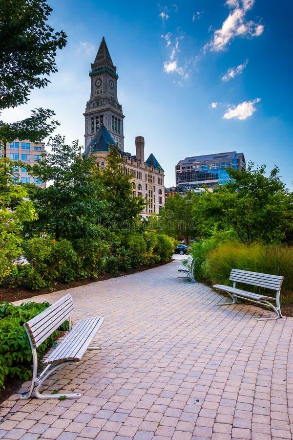 De Rose Fitzgerald Kennedy Greenway en Toren van het Douanehuis in B stock afbeelding