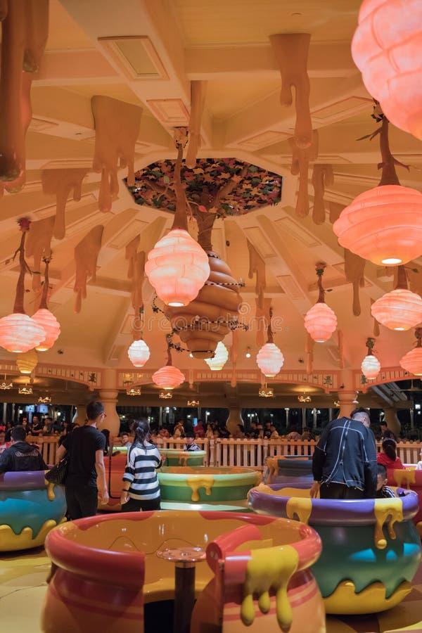 De Rotatierit van de Hunnypot in Shanghai Disneyland, China stock foto's