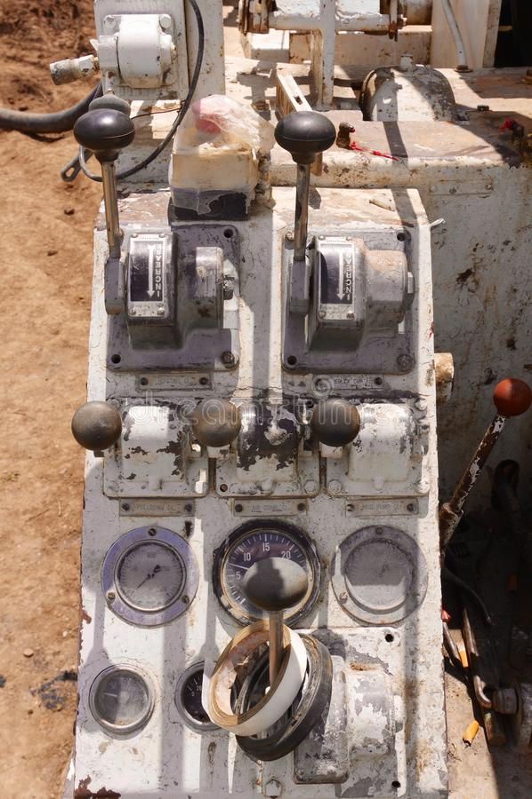 De roterende controles van de boorinstallatie stock fotografie