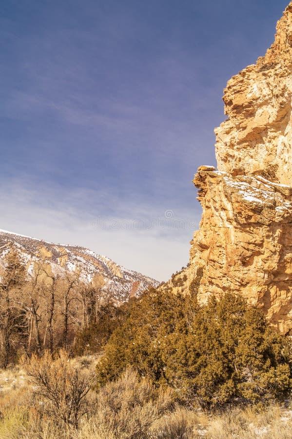 De rotsachtige heuvel in Manilla, Utah stock foto