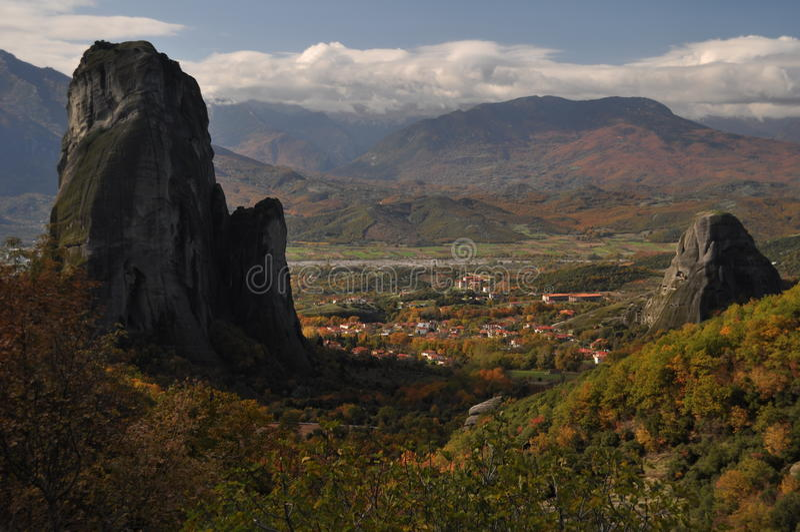 De Rotsen en de Kloosters van Meteora stock foto