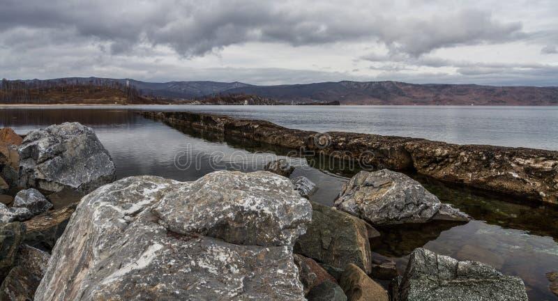 De rotsen van Baikal royalty-vrije stock afbeelding