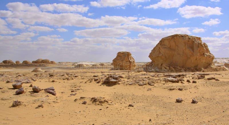 De rotsen van de kalksteenvorming in de Westelijke Witte Woestijn, Farafra, Egypte royalty-vrije stock fotografie