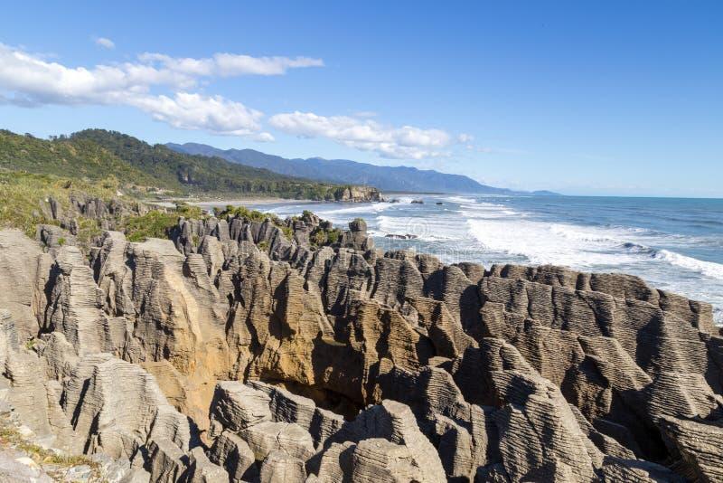De Rotsen van de Punakaikipannekoek in Nieuw Zeeland stock afbeelding
