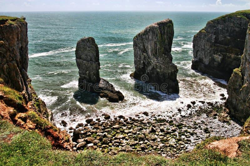 De rotsen van Stackpole, Zuid-Wales, het Verenigd Koninkrijk stock afbeelding