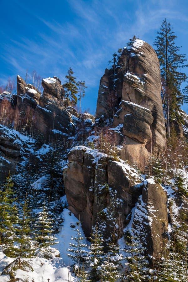De rotsvorming kent als Broumov-muren dichtbij Bromov in Czechia royalty-vrije stock afbeelding