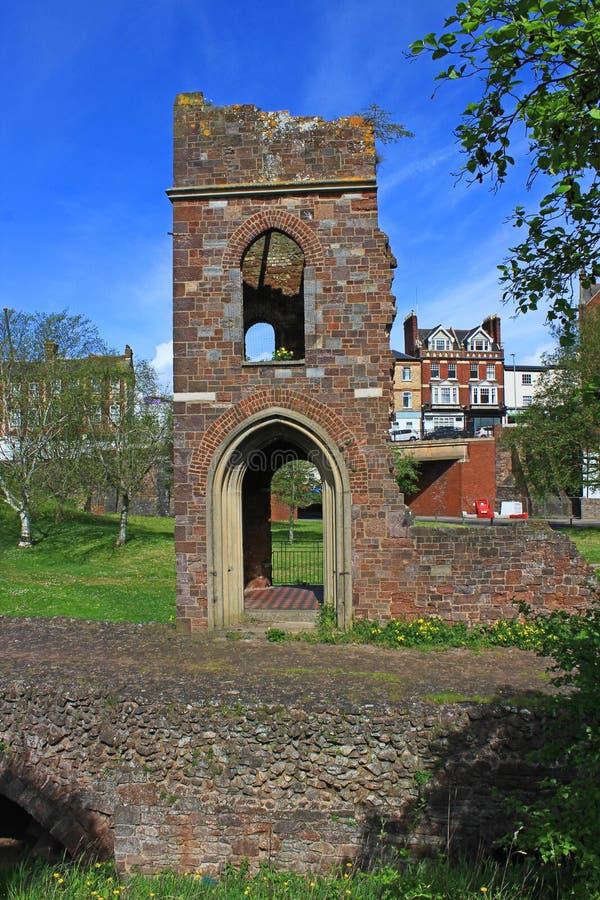 De ruïne van de Medieavalkerk stock foto
