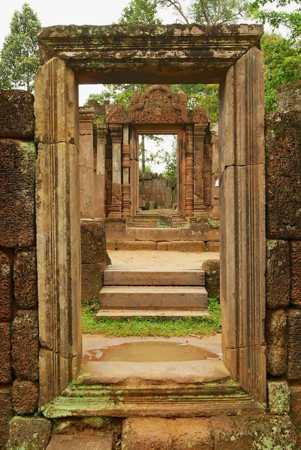 De ruïne van de tempel van Banteay Srei in Siem oogst, Kambodja royalty-vrije stock afbeeldingen