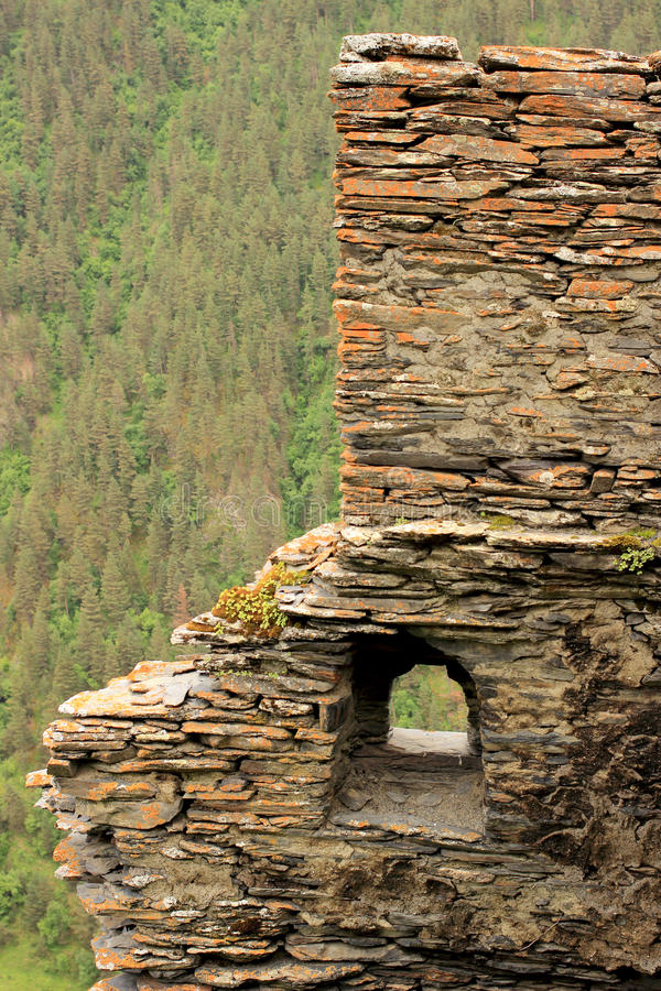 De ruïnes in Kvavlo-dorp Tushetigebied (Georgië) royalty-vrije stock afbeeldingen