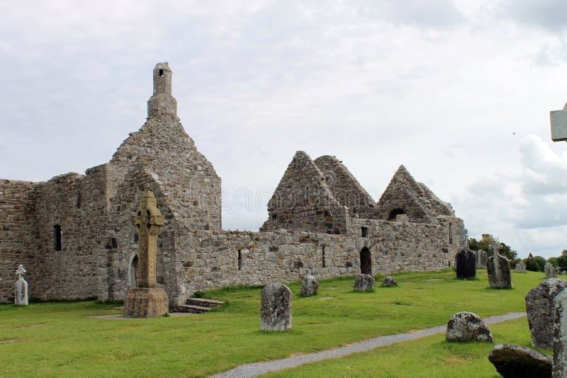 De ruïnes van Clonmacnoise in Ierland royalty-vrije stock afbeeldingen