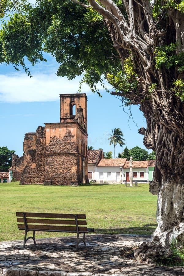 De ruïnes van de Matrizkerk in de historische stad van Alcantara royalty-vrije stock fotografie