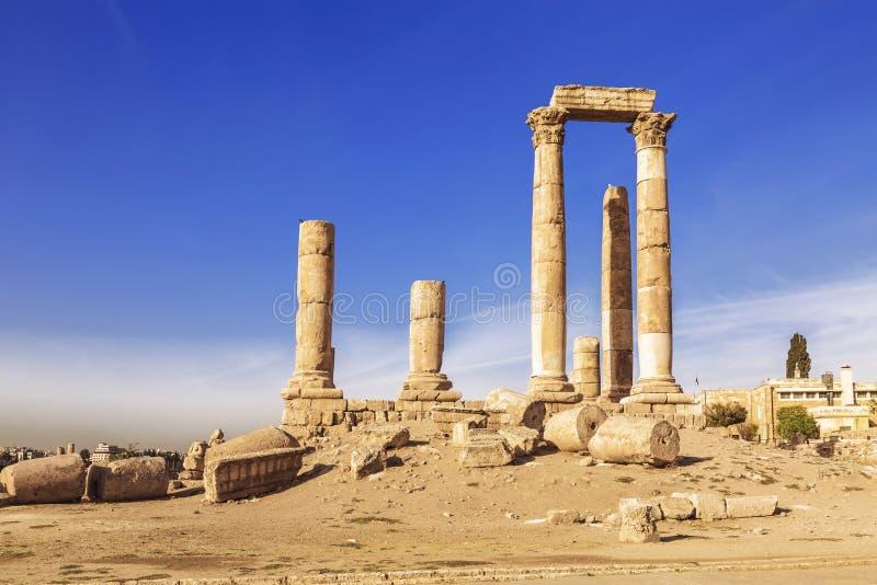 De ruïnes van de tempel van Hercules in de citadel van Amman royalty-vrije stock afbeelding