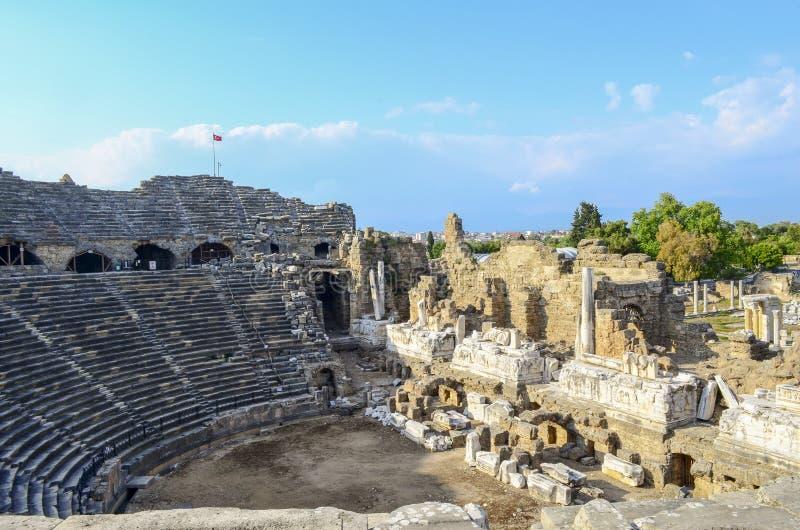 De ruïnes van het oude amfitheater in de Turkse Kant royalty-vrije stock afbeelding