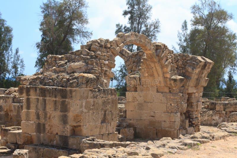 De ruïnes van het oude kasteel Saranta Kolones cyprus stock foto