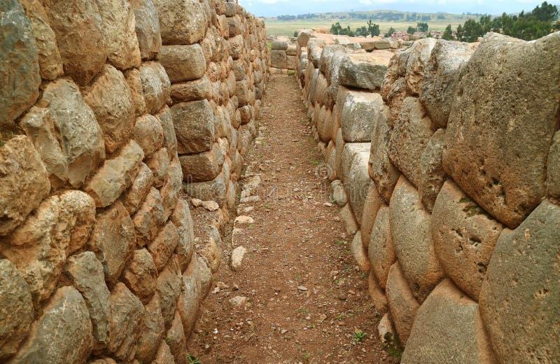 De Ruïnes van de Heuveltop met Verbazend Incan-Metselwerk in Chinchero, Cuzco, Peru royalty-vrije stock fotografie