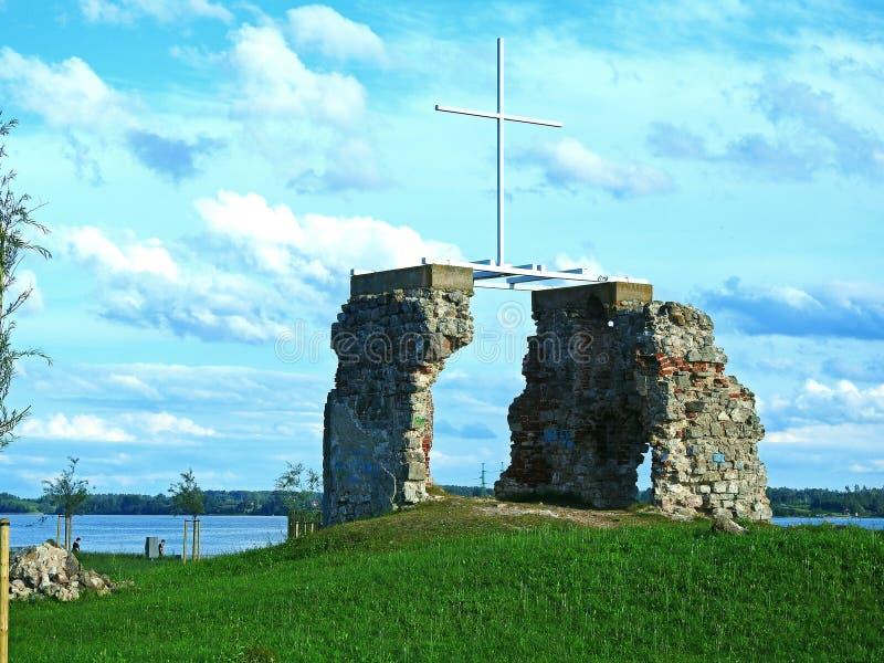 De ruïnes van kerk stock afbeeldingen