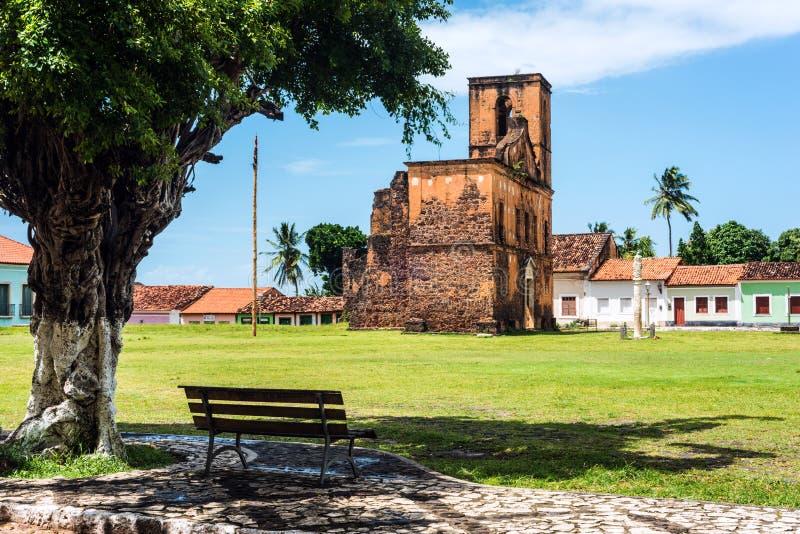 De ruïnes van de Matrizkerk in de historische stad van Alcantara, Brazilië stock afbeelding