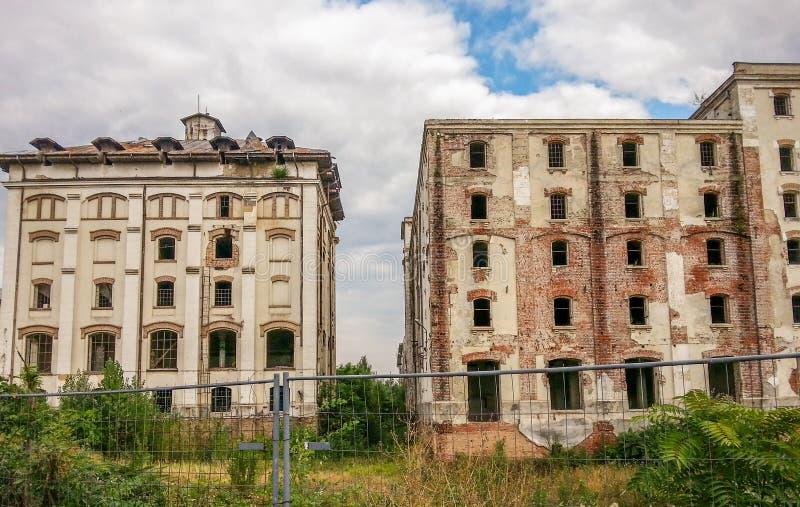 De ruïnes van oude brouwerijbragadiru van Boekarest stock fotografie