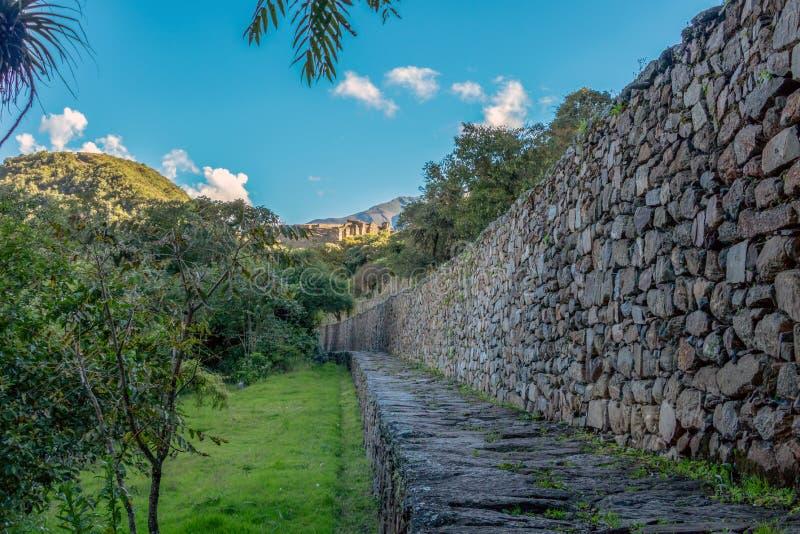 De ruïnes van de oude Inca-stad van Choquequirao, alternatief aan Machu Picchu, Peru royalty-vrije stock fotografie
