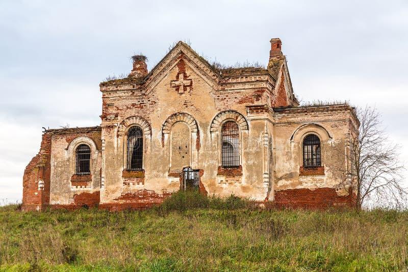 De ruïnes van oude Orthodoxe Kerk royalty-vrije stock foto's