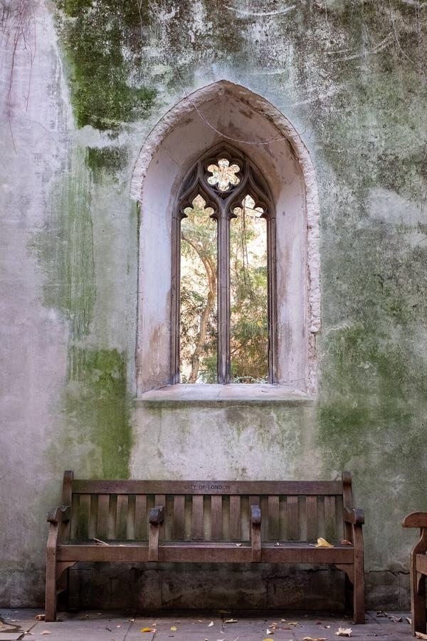 De ruïnes van St. Dunstan in de East Church in de City of London UK De historische kerk werd gebombardeerd en verwoest in WW2 royalty-vrije stock foto