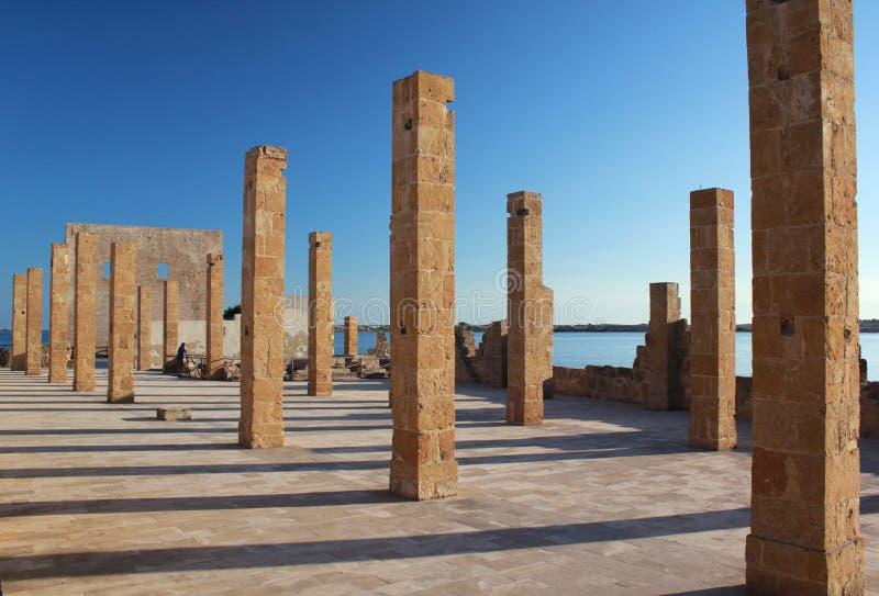 De ruïnes van Tonnara Vendicari op Sicilië stock foto's