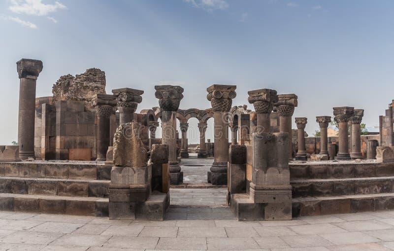 De ruïnes van Zvarnots stock foto