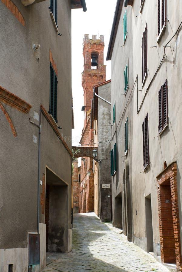 De ruïnesdeur van Poggioreale in balkon stock foto's