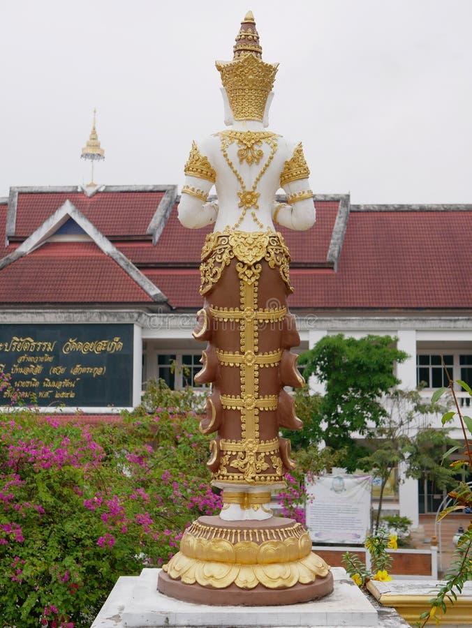 De rug van gouden Thepanom in Wat Phra That Doisaket in Chiang Mai, stock fotografie
